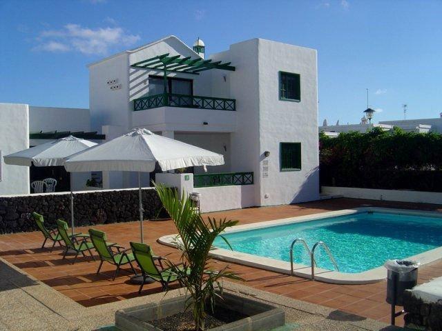Luxury 1 Bedroom Apartments with Air Conditioning in Puerto del Carmen, Lanzarote